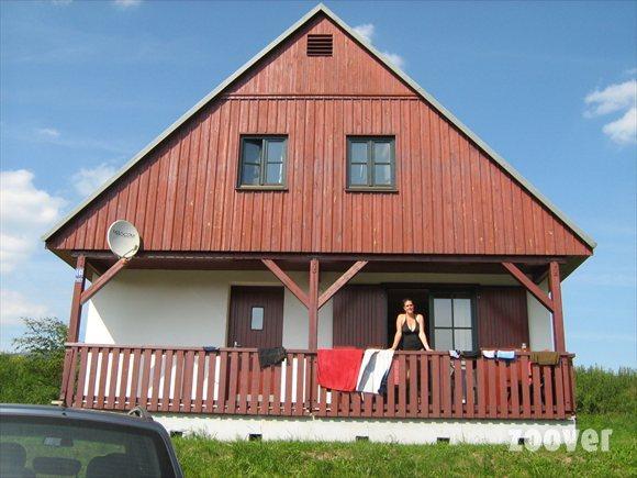 Ruim vakantiehuis op gewilde locatie te koop in tsjechie for Huisje te koop