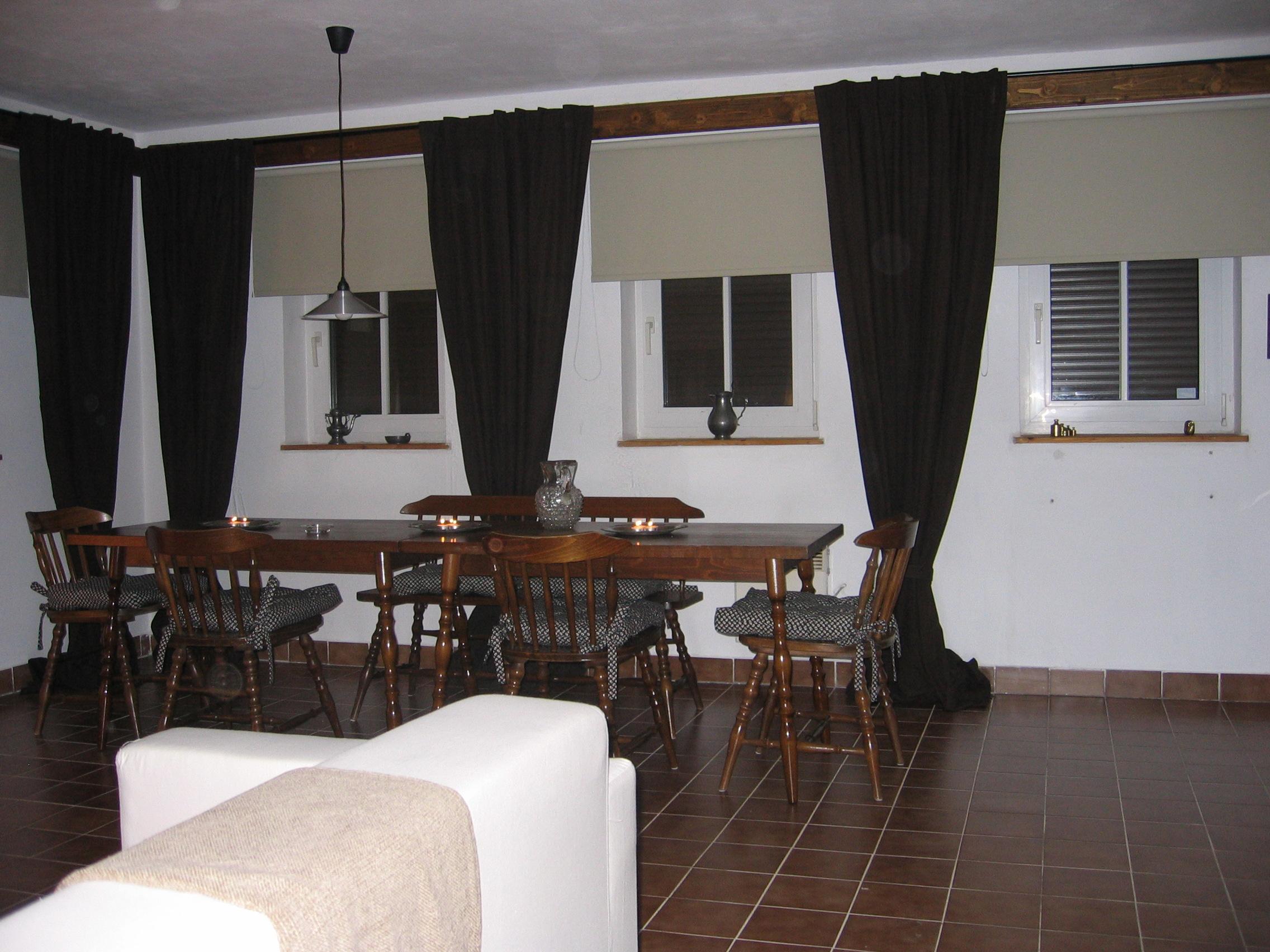 Zeer ruime villa op rustige locatie te koop in tsjechie noord bohemen - Woonkamer beneden meubeldesign ...